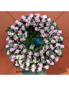 Rosenkranz rosa Rosen mit Schleierkraut